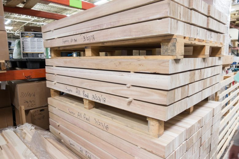 スキーの芯材となる木材